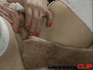 Maduros sexo com peluda milf e dela médico