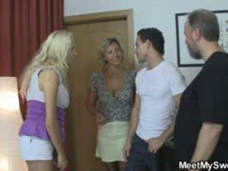 Blondine meisje involved in 3io met zijn olds