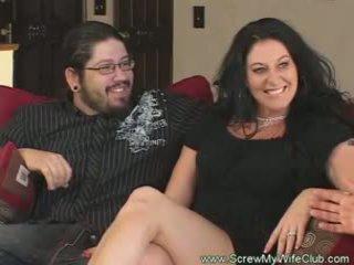 Slutty נשואה אישה rides זין pov