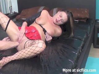 Seks dengan memasukkan tangan itu wifes holes till dia pisses diri