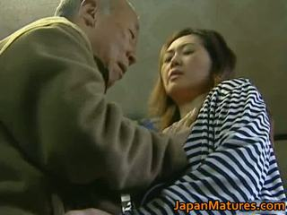 Seksi milfs memiliki seksi seks video