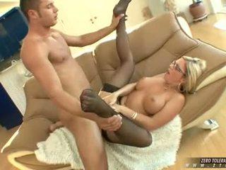 Bitchy حار ahryan astyn gets ل غني spurt من كوك cream في لها وجه