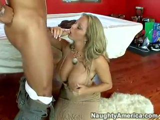 Succosa caldi pornostar amber lynn bach hooks un meaty pole in suo steamy bocca