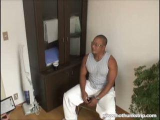 Muscular papai peludo