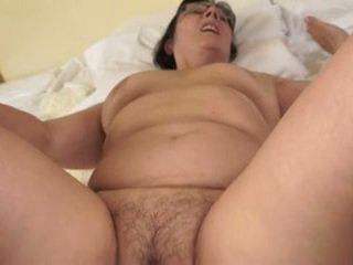 Horký babička loves mladý cocks