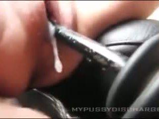 Creamy masturbation puke sa sasakyan