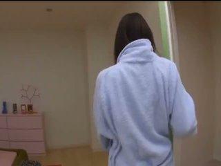 Mai uzukihot アジアの モデル で セクシー ストッキング gets プッシー fingered