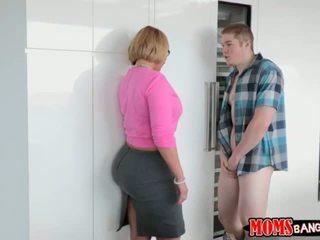 Jake pounded su girlfriends madrastra a cuatro patas