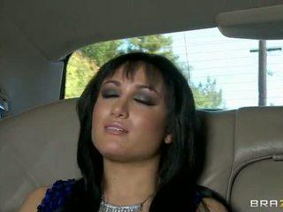 Gabriella gefickt im die limo video