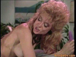 Retro lesbiečių licking jų įtemptas puss
