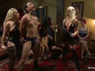 Nymph dominare în pajama petrecere
