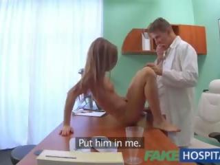Fake sykehus doktor fucks patients stram fitte til kur hans hangover