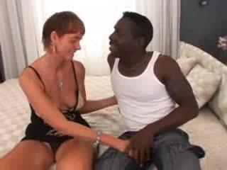 ขนดก รุ่นยาย เซ็กส์ระหว่างคนต่างสีผิว ก้น