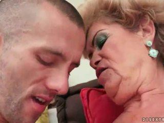 Mummi seksi kokoomateos