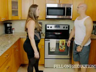 [taboo passions] madisin lee ב cooking ל אמא חורגת