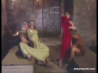 Cleare e jyulia, dp orgia con il gladiators in il cella