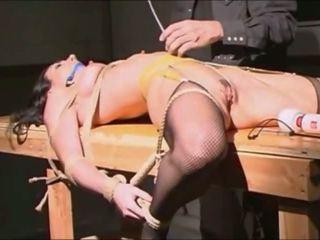 Раб tied cropped clamped і vibed для сперма: безкоштовно порно 1b