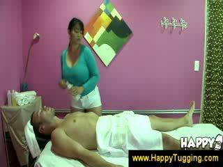 Οιεντάλ μασάζ masseuse handjobs wanking τραβώντας μαλακία μαλακία tugging tug δουλειά cfnm μεγάλος boob bigtits bigboobs