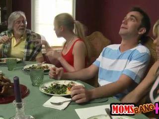 Семейство dinner семейство секс с kristal summers