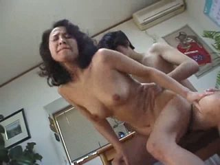 Japanese mom gets fucked Video
