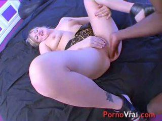 Squirting blonde multiorgasmic exhibitionist claque sur cul ! français amateur