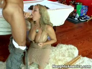 Öl gyzykly porn ýyldyzy amber lynn bach hooks a powerful pole in her steamy mouth