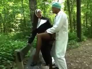 babes, กลางแจ้ง, nun