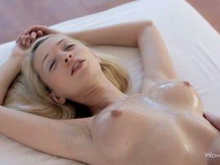 Чудова лесбіянки підлітковий вік масаж кожен другий