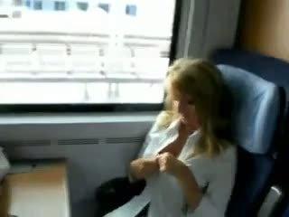 Sex pe tren video