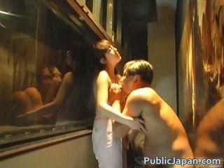 Aasialaiset nukke on a perverssi amatööri jotka