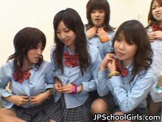 Aasialaiset schoolgirls having anaali seksi porno