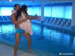 Futand de the piscina