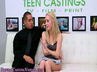 Khóc thiếu niên ràng buộc, thống trị, tánh bạo dâm, khổ dâm gagged