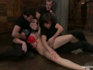 Aria aspen has kanya puwit hole used sa gang bang performance
