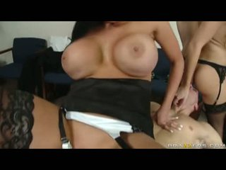 Fleshly audrey bitoni cant live without to see alettas hole getting plowed بواسطة ل ضخم قضيب