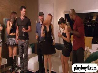 Swinging couples enjoying khiêu dâm trò chơi trong playboy mansion