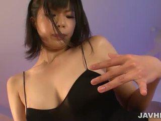 Saki aoyama dalam swimsuit
