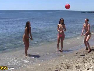 Koledžas seksas vakarėlis pagal the saulė heat apie the paplūdimys