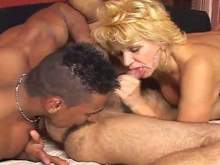 Μεγάλος bisexual πορνό σκηνή