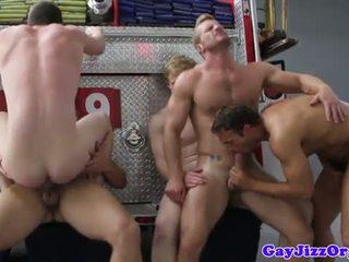 Charlie roberts pakaļa fucked par uguns truck