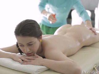 18 virgin секс - 18 година стар alina