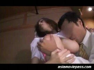 मुखमैथुन, जापानी, बड़े स्तन