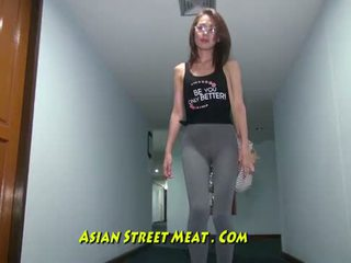 Buggered filipina upp henne rectum