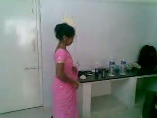 나는 5 인도의 귀여운 과 수줍은 newly 결혼 한