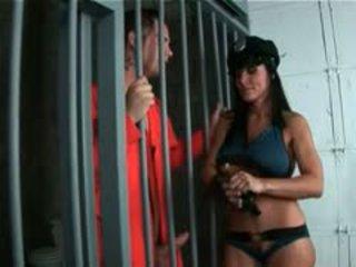Karstās pakaļa māte spēlē policija sieviete rides milzīgs pusaudze loceklis