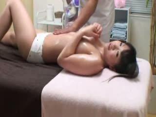 Kolese prawan reluctant orgasme by masseur