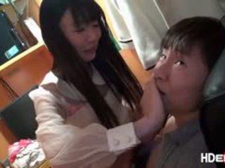 Japonais brunette tsubomi gets baisée