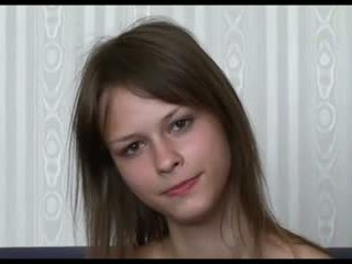 Beata undine koyu saç, olduğunu o silikon göğüsler ?
