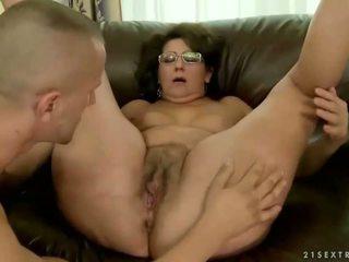 Vanaema loves tema vana boyfriend