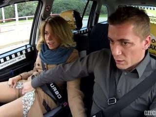 Podvádzanie manželka v a taxi - porno video 791